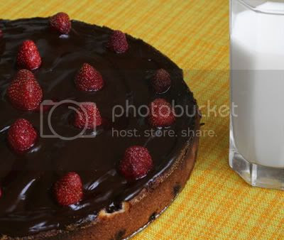 Valentine cake with raspberries and chocolate recipe