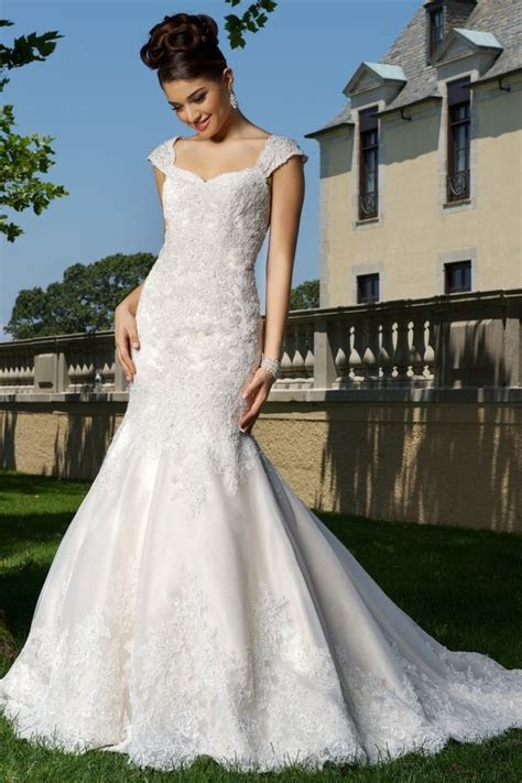127 best Barefoot Gowns images on Pinterest   Wedding
