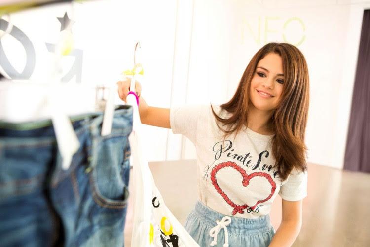 Selena-Gomez-Adidas-Neo-Photoshoot-Pictures-3