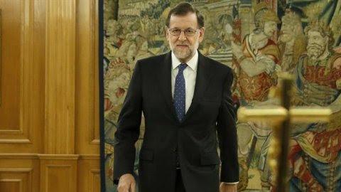 El reelegido presidente del Gobierno, Mariano Rajoy, poco antes de jurar el cargo. - EFE