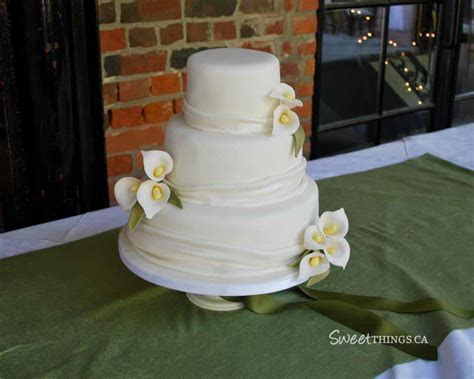 Maricor & Jason: Simple Wedding Cake Design