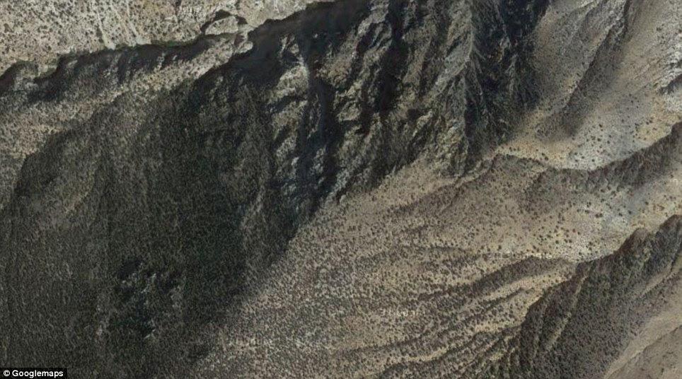 Nevada: Hawthorne Army Depot é um armazém de munição do Exército dos EUA localizado perto da cidade de Hawthorne, em Nevada, oeste dos Estados Unidos. Ele armazena munições de reserva para ser utilizado após os primeiros 30 dias de um grande conflito