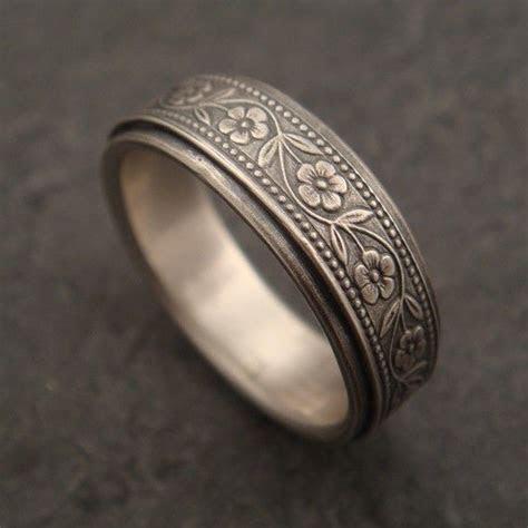 Best 25  Engraved rings ideas on Pinterest   Gold wedding