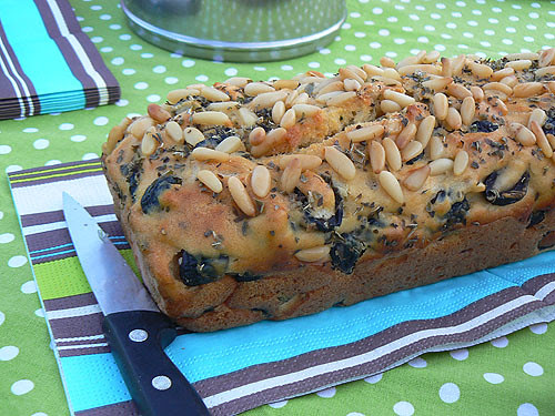 cake aux pignons.jpg