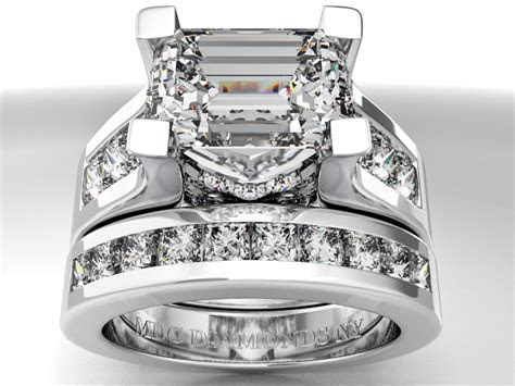 Wedding rings with engraved: Emerald cut diamond wedding