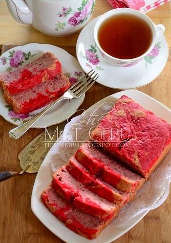 STRAWBERRY MOIST CAKE....VERSI DERHAKA..