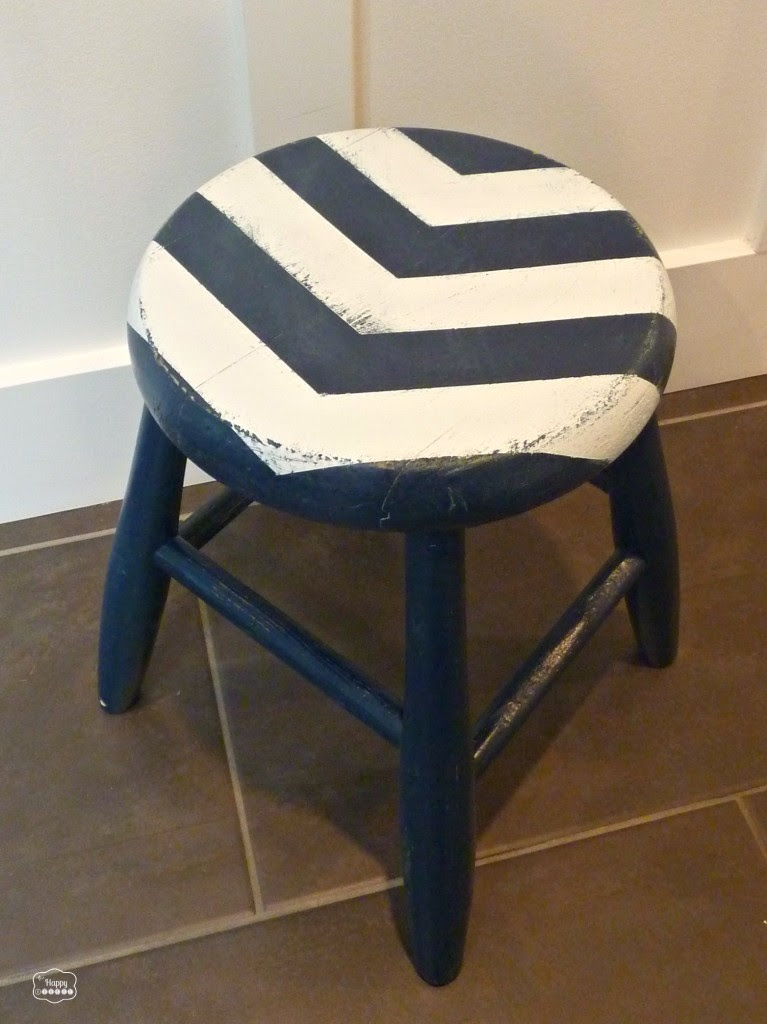 DIY Arrow Striped Stool Revamp with krylon by thehappyhousie
