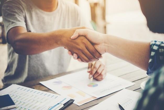 9 temas que deberías investigar antes de una entrevista de trabajo