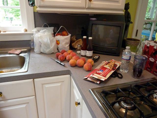 P1090066-2012-06-09-BBQ-Peaches-Cheerwine-Arrive