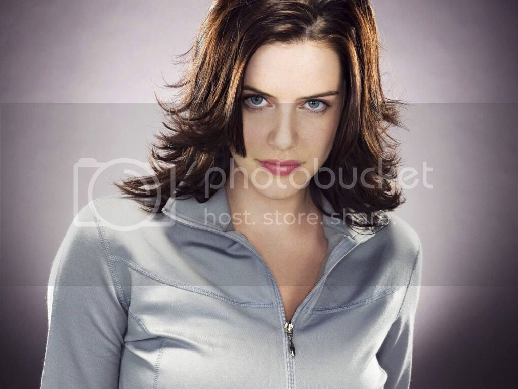 Michelle Ryan as 'Jaime Sommers' in Bionic Woman on NBC [click to enlarge]