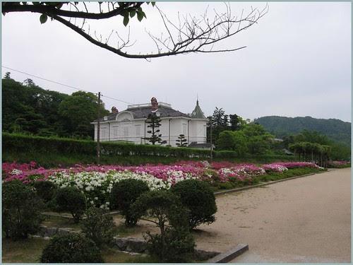 65 Jinpukaku and azalea park