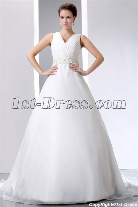 Most Stylish Celebrity Wedding Dresses of 2013 with V