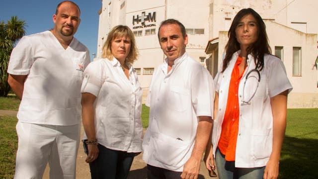 Marcelo Morante (segundo desde la derecha) junto a otros miembros del primer equipo que trabajará en cuidados paliativos en General La Madrid