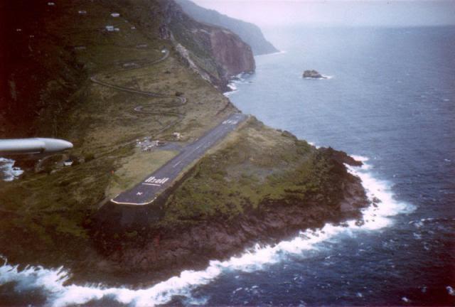 10. Juancho E. Yrausquin Airport, Saba Island
