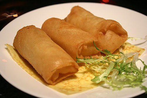 Spring rolls with crabmeat and egg white