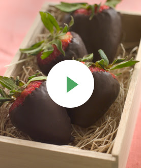 Make Your Own Chocolate-Dipped Strawberries