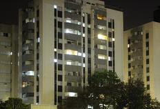 Faxineira cai do 10º andar de prédio e sobrevive em SC