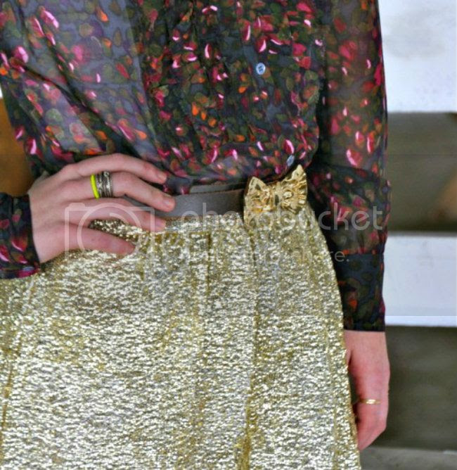sidesmile style outfit details