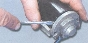 статья про смазка подшипников электродвигателя вентилятора отопителя салона ВАЗ 2106