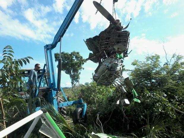 Piloto foi resgatado com ferimento na cabeça (Foto: Divulgação/Polícia Militar)