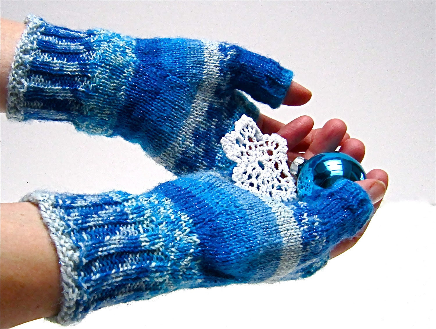 Fingerless Gloves 'Jack Frost' Faire Isle Ice Blue White Texting Mitts Gauntlets Wrist Warmers wool. MADE TO ORDER - JanetLongArts