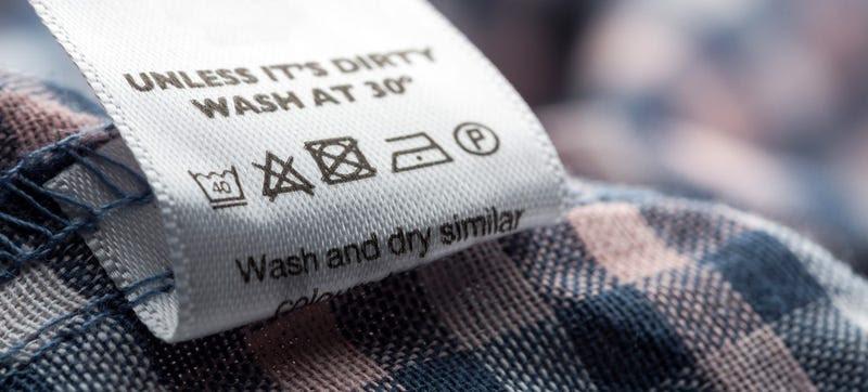 Qué significan los símbolos de lavado de las etiquetas de ropa