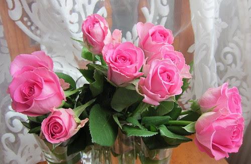 Viikonlopun ruusut by Anna Amnell