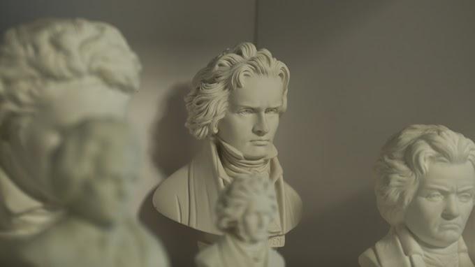 «Слишком белый, слишком старый, слишком мужчина» — в юбилейный год Бетховена захотели «отменить»