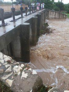 Chuva abasteceu lagoa em Apodi (Foto: Redes Sociais).