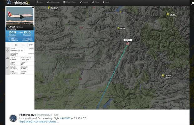 Imagem postada noperfil do Twitter do site Flightradar mostra a última localização do Airbus A320, nesta terça-feira (24) (Foto: Reprodução/Twitter Flightradar24)
