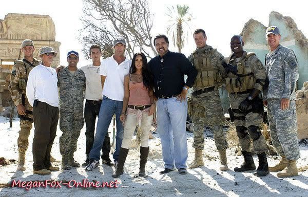 Group photo of the TRANSFORMERS 2 main cast and crew.