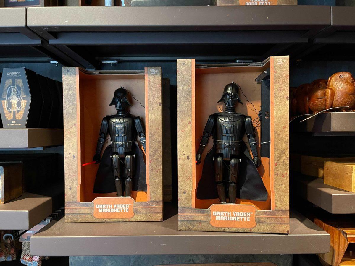 Star Wars: Galaxy's Edge - Mythosaur Wall Decor, Boba Fett Gauntlets and New Pins! | Anakin and His Angel