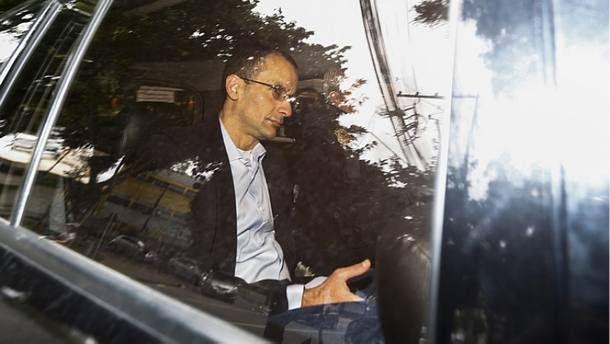 Marcelo Odebrecht chega para depor ao TSE