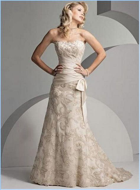 Simple Casual yet Elegant Wedding Dress for Older Bride