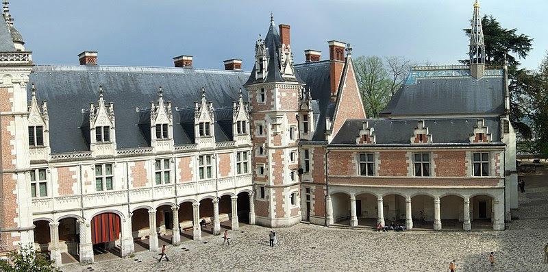 File:Blois LouisXII interior.jpg