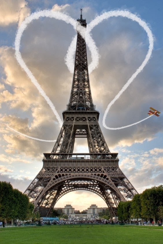 http://blog.edreams.es/wp-content/uploads/sites/5/2012/02/paris-ciudad-de-los-infieles-564x845.jpg