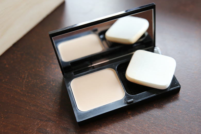 Bobbi Brown Powder Foundation Swatches