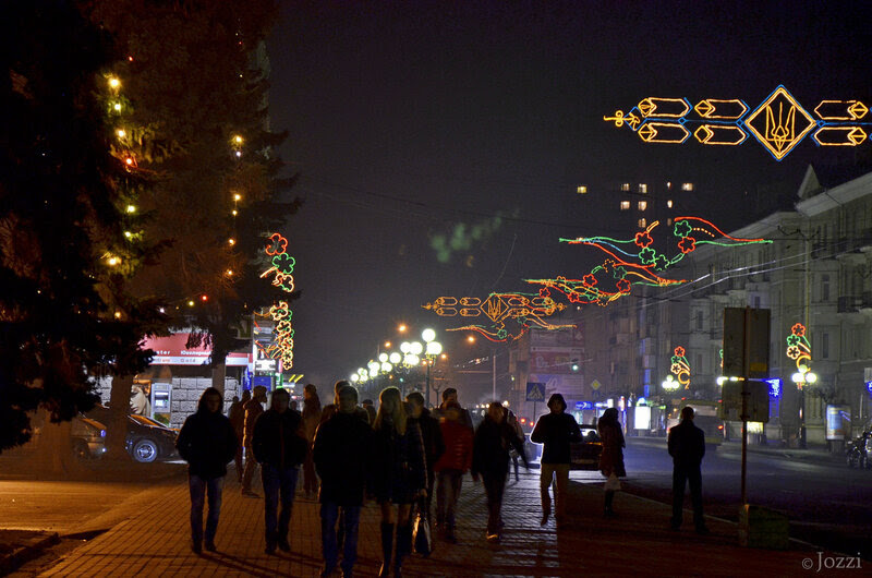 новогодние огоньки в городе