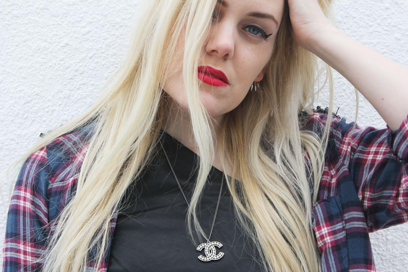 photo hmplaidshirt-beckerman-sisters-twins-blonde-chanelnecklace-narslipstick-dragongirl.jpg