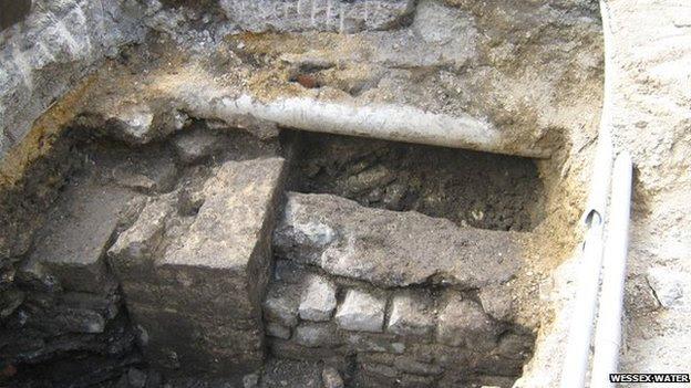 Roman walls, Bath