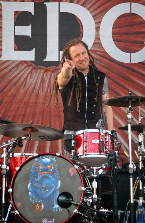 Shinedown drummer Barry Kerch discusses arena tour; band
