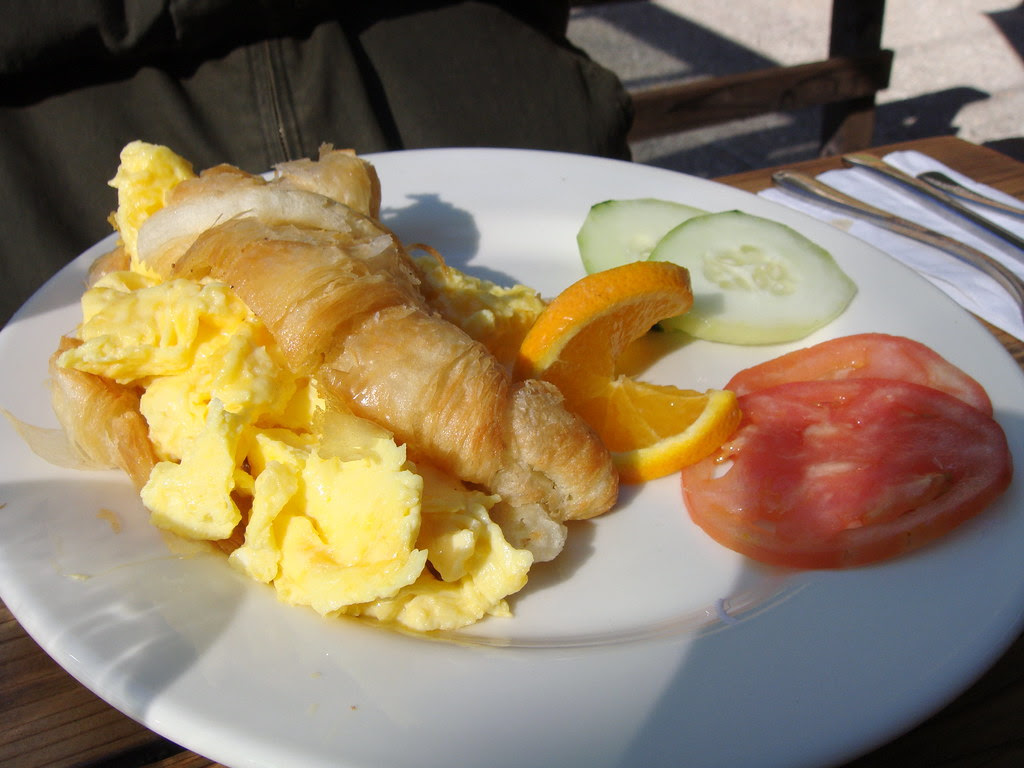 Scambled Eggs in Croissant