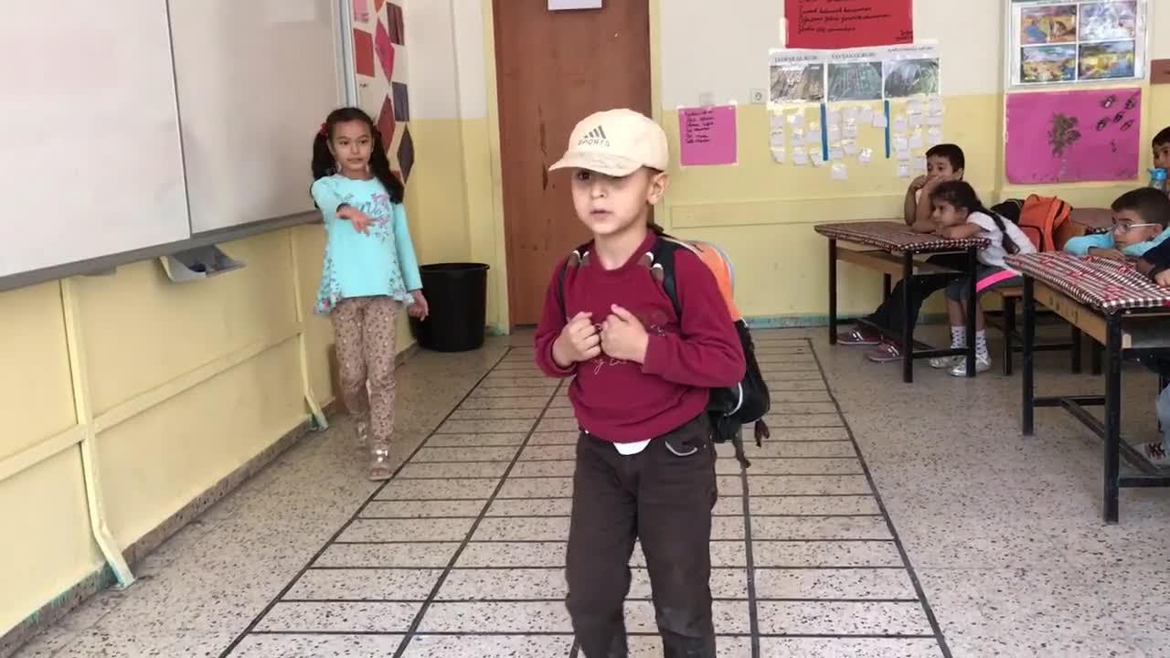 Bak Postacı Geliyor Izle Video Eğitim Bilişim Ağı