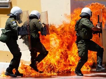 greece-austerity-riots-370x277