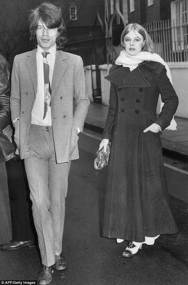 Iconic: Mick e Marianne foram o casal cartaz para a década de 60, mas os excessos dessa década os separou e continuaria a tipificar a vida amorosa de Mick
