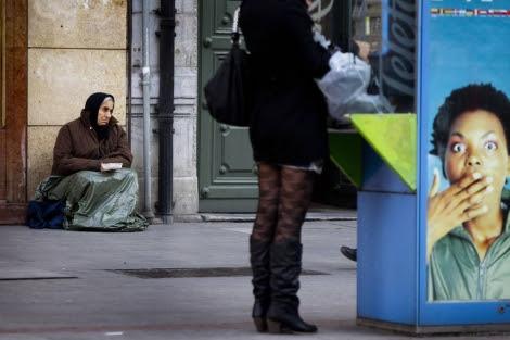 Una mujer indigente en Bilbao.| Iñaki Andrés