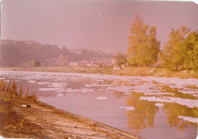 Contaminación del Tajo en los años 70. Fotografía de Ricardo Sánchez Candelas