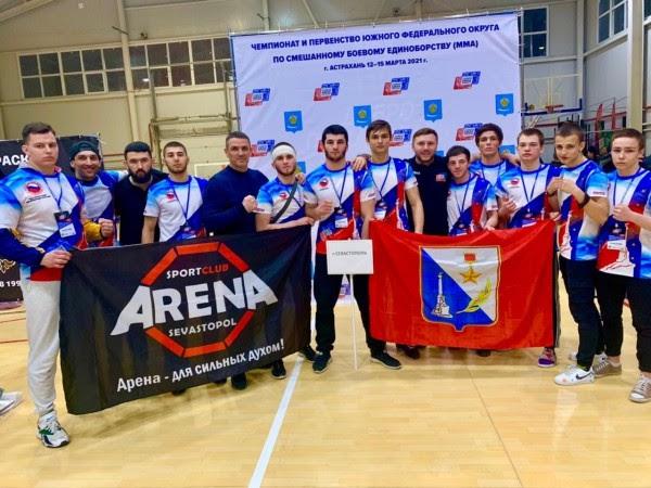 Севастопольские единоборцы привезли из Астрахани восемь медалей