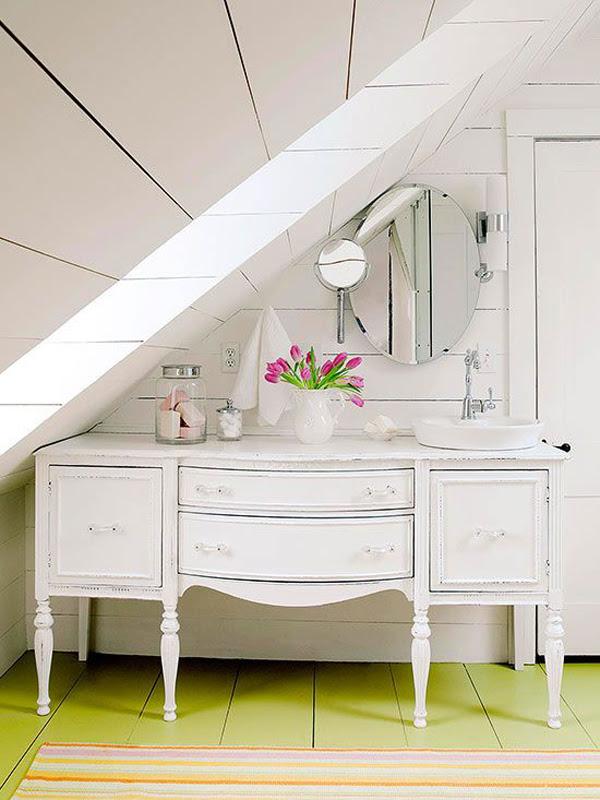 35 Functional Attic Bathroom Ideas | HomeMydesign