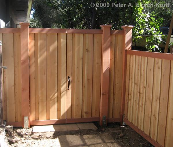 fence18_side_gate